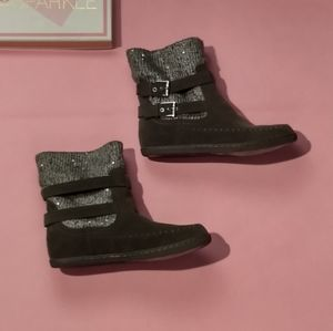 Guess suede & knit boots